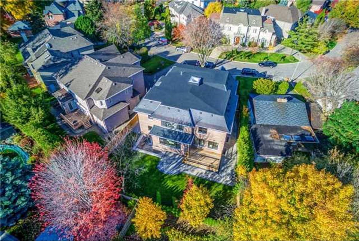 33 Cotswold Cres Toronto Team Asgarian